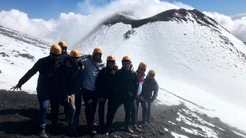Mt.Etna vicinissimi ai crateri