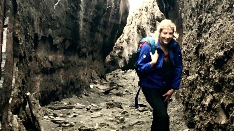 Mt. Etna dentro un tunnel lavico